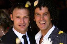 Menos del 2% de los matrimonios son entre personas del mismo sexo En una década, desde su legalización en 2005, se han registrado más de 30.000 uniones Alejandra Torres Reyes   El País, 2015-06-27 http://politica.elpais.com/politica/2015/06/26/actualidad/1435331440_101223.html