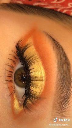 Edgy Makeup, Eye Makeup Art, Dramatic Makeup, Smokey Eye Makeup, Eyebrow Makeup, Skin Makeup, Contour Makeup, Creative Eye Makeup, Colorful Eye Makeup