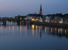 pictures of netherlands | Maastricht by night
