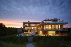 The Ocean Deck House by Stelle Lomont Rouhani Architects Is a Slice of Hamptons Life | HYPEBEAST