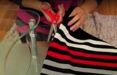 Nainen+leikkaa+vanhaa+villapaitaa+ja+paljastaa+niksin,+joka+jokaisen+kannattaa+opetella