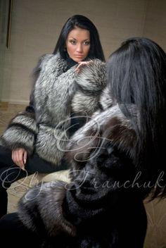 For the Scorpio Woman Stunning Brunette, White Face Mask, Scorpio Woman, Fabulous Furs, Fox Fur Coat, Fur Fashion, Perfect Woman, Fashion Images, Collar And Cuff