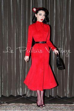 Le palais vintage limited edition retro cashmere fishtail coat