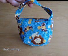 TresP craft blog: TUTORIAL CHUPETERO Y BOLSITO PARA CHUPETES Diaper Bag, Lunch Box, Blog, Crafts, Scrappy Quilts, Hooded Towels, Handmade Baby Clothes, Cotton Canvas