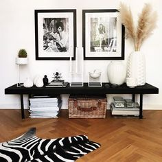 Begin using these home decor tips to brighten up your home and give it new life. Home redecorating is exciting and may change your house into a home if you learn how to do it. Living Room Decor, Bedroom Decor, Wall Decor, Interior Design Tips, Interior Inspiration, Decorating Your Home, Interior Decorating, African Interior, Apartment Furniture