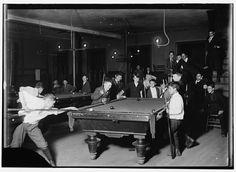 Photographer Lewis Hine (1874-1940) - 1909 Newsboy Club in Boston