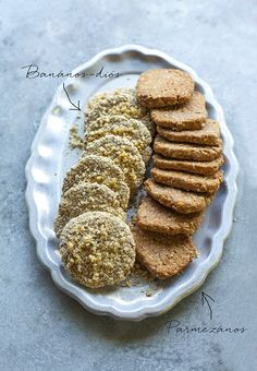 Édes + sós. FINOM,EGYSZERŰ!15 keksz,TÉSZTA: 10 dkg teljes kiőrlésű búzaliszt (65 gr), 5 dkg zabpehely (31,5 gr), 5 dkg vaj, 0,5 dl víz, 2 gr szárított élesztő, 1 tk só, 3 dkg reszelt parmezán. Zabpelyhet őröljük finomra. Keverjük el a teljes kiőrlésű liszttel, sajttal, sóval, szárított élesztővel.Adjuk hozzá a lágy vajat + langyos vizet.Gyúrjuk össze a tésztát, pihentessük kb.20 perc.Formázzuk hengerré,szeleteljük fel,formázzunk kekszeket. Sütés: sütőpapírral bélelt sütőlemezen, 180 fok,15…