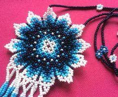 Mexican Huichol Beaded Flower Necklace by Aramara on Etsy Seed Bead Jewelry, Bead Jewellery, Seed Beads, Beaded Jewelry, Art Necklaces, Beaded Necklaces, Beaded Earrings, Crochet Earrings, Beading Tutorials