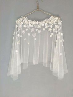 Bridal capelet Bridal cover up Lace cover up by HanakinLondon - Herren- und Damenmode - Kleidung Diy Clothes, Clothes For Women, Dress Clothes, Dress Outfits, Prom Dresses, Bridal Cover Up, Mode Inspiration, Blouse Designs, Dress Designs