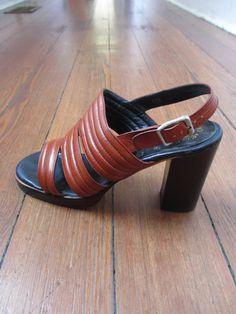 Vintage 1970's Bibiana Famolare platform heels sandals shoes 8.5 M