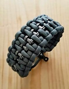 By Brian Taft Paracord Braids, Paracord Knots, Paracord Bracelets, Survival Bracelets, Knot Bracelets, Bracelet Patterns, Bracelet Designs, Paracord Watch, Bike Chain Bracelet