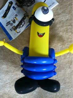 Father's Day fun, balloon animals & more I saw this and throught of you :) Balloons And More, Big Balloons, Balloon Arch, Minion Birthday, Minion Party, Boy Birthday Parties, Birthday Ideas, Balloon Centerpieces, Balloon Decorations