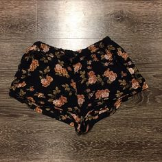 20% off bundles! Brandy Melville floral shorts Gently used. They are missing the drawstring for the waist, but the waistband is elastic so it doesn't affect the wear of the shorts. One size Brandy Melville Shorts