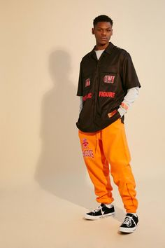 The complete Heron Preston Fall 2018 Menswear fashion show now on Vogue Runway. The complete Heron Preston Fall 2018 Menswear Streetwear Men, Streetwear Fashion, Trendy Fashion, Men's Fashion, Fashion Trends, Runway Fashion, Fashion Guide, Cheap Fashion, Fashion Design
