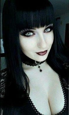 Beautiful gothic style – Hair World Ideas Gothic Girls, Hot Goth Girls, Goth Beauty, Dark Beauty, Dark Fashion, Gothic Fashion, Dark Punk, Steam Punk, Estilo Dark