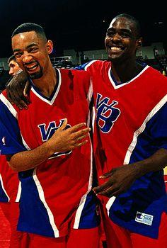 Juwan Howard & Chris Webber Basketball Pictures, Basketball Legends, College Basketball, Nba Players, Basketball Players, Chris Webber, Fab Five, Sports Fanatics, Washington Wizards
