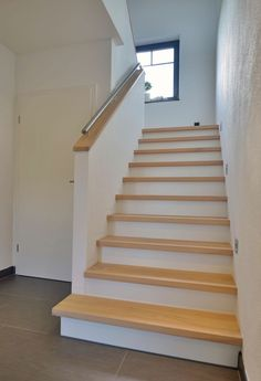 Treppen Saddled cheek stairs Stair construction Becker Keeping Your Kids Safe From Online Trouble It Outdoor Stair Railing, Interior Stair Railing, Stair Railing Design, Home Stairs Design, Stair Handrail, Tile Stairs, Flooring For Stairs, House Stairs, Basement Stairs
