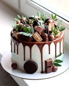 wedding cakes with cupcakes Chocolate overload nyuta_zelenskaja Are you chocolate lover - Start your baking journey with bakelikechef Baking Cupcakes, Cupcake Cakes, Cake Recipes, Dessert Recipes, Wedding Cakes With Cupcakes, Almond Cakes, Drip Cakes, Love Cake, Pretty Cakes