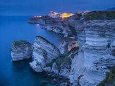 Picture of cliffs in Bonifacio, Corsica - More unique travel inspiration can be found on www.broscene.com