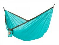 La Siesta COLIBRI Single Travel Hammock The COLIBRI single travel hammock is lightweight lbs / 750 g), made of soft, breathable parachute silk. Thanks to an integrated suspension system, it is q Hanging Hammock Chair, Hammock Stand, Swinging Chair, Garden Furniture, Outdoor Furniture, Outdoor Decor, Outdoor Stuff, Portable Hammock, Camping Hammock