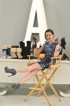 This girl is ssssssoooooo beautiful :)
