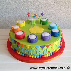Klasversiering - Verjaardagstaart Teacher Treats, Happy Birthday, Birthday Cake, Work Party, School Classroom, Pre School, Cake Decorating, Projects To Try, Desserts