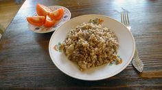 Today I have cooked buckwheat with white mushrooms (Boletus edulis). Buckweat is traditional Russian dish. Healthy Drinks, Healthy Eating, Healthy Recipes, Russian Dishes, White Mushrooms, Canadian Food, Recipe Boards, Buckwheat, Bon Appetit
