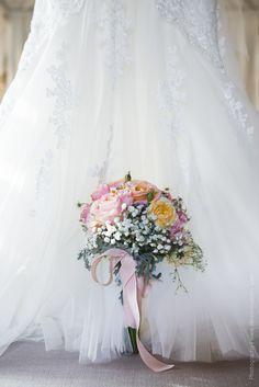 Romantic tiny wedding bouguet / Небольшой романтичный букет невесты