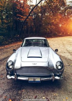 Aston Martin as seen in James Bond Skyfall and Goldfinger. Aston Martin Db5, Classic Aston Martin, Cars Vintage, Retro Cars, Classic Sports Cars, Classic Cars, Classic Style, James Bond, Custom Cars