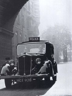 Toutes les tailles | Metropolitan Police Wolseley,1069 cc, 'Wasp' 1940'ish, O/S Cannon Row Police Station, (New Scotland Yard) Westminster, London, SW1. UK. | Flickr : partage de photos !
