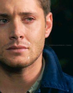 this is the greatest thing i have ever seen in my life. he's crying and still hot, maybe even hotter.