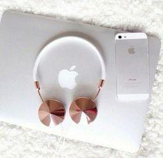 Image via We Heart It https://weheartit.com/entry/153450848/via/21054663 #apple #phone