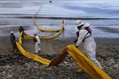 Exxon shuts down oil production as Santa Barbara cleans up spill - CSMonitor.com