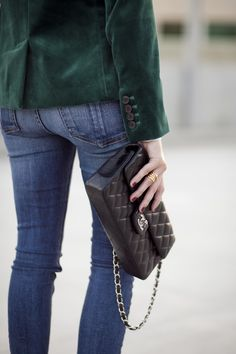 Green Velvet Blazer :: House of Valentina… Classy Chic, Classy And Fabulous, Casual Chic, Velvet Blazer, Velvet Jacket, Dressing, Velvet Fashion, Chanel Classic Flap, Christmas Fashion