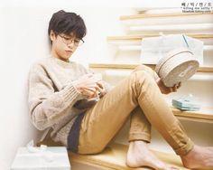 ^o^ Lee Hyun Woo ♥ that sweater ! Lee Hyun Woo, Lee Jong Suk, Korean Star, Korean Men, Korean Wave, Asian Boys, Asian Men, Asian Actors, Korean Actors
