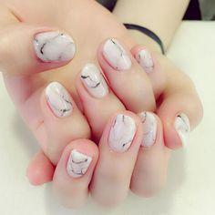 ストーンネイル☺️ #pool #poolnail #pool原宿 #harajyuku #kawaii #工藤恭子 #nail #nail #nailart #leafgel #art #kyokokudo #kyokokudonail #magazine #magazinpublication #japan #trend #trendnail #fashion #gel #gelnail #highest #네일 #네일아트 #美甲