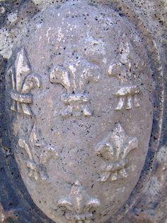 fleur de lys in stone