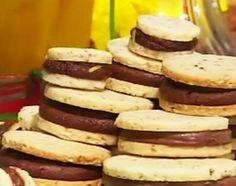 Alfajorcitos de almendras y chocolate