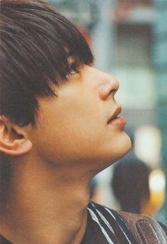 Shshsshhshs he looks so perfect Beautiful Boys, Pretty Boys, Ryo Yoshizawa, Asian Love, Fantasy Photography, Japanese Boy, Best Friend Pictures, Boy Photos, Flower Boys