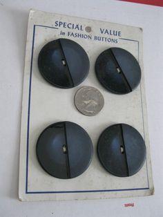 """Carded Vintage Big 1.5"""" Blue Buttons Retro Mod Fashion Navy Coat Cape Plastic"""