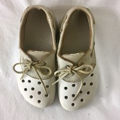 ad8382ae3822e Crocs Islander Men 5 Women 7 Clog Water Resistant Leather Top Siders Style  White