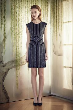 Take me out .......Jenny Packham Pre-Fall 2015 - Collection - Gallery - Style.com