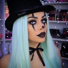 Girls ready for your Halloween? Share with us about more about your Halloween ideal of this year Wig Sku: SN2-4/1001/5412/2334 #halloween #evahair #evahairofficial #kyliejenner #ombre #mint #syntheticwig #lacefrontwig #makeup