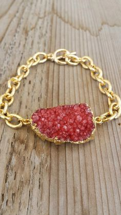 Raspberry Druzy Bracelet with gold chain by joydravecky on Etsy, $64.00 Joy Dravecky www.etsy.com/shop/joydravecky