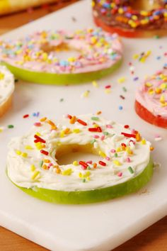 Donut Apples Are Our Favorite Low-Cal Snack Hack
