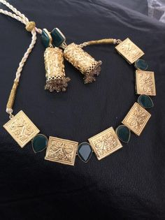 Handcrafted and gold plated necklace set with semi precious Emerald stonesReady to ship Perfect for wedding and parties. Jewelry Design Earrings, Necklace Designs, Beaded Jewelry, Beaded Bags, Pendant Jewelry, Jewelry Art, Jewelry Accessories, Handmade Jewelry, Gold Bangles Design