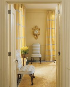 corn w/soft yellow & a hint of blue: The color of corn is lent to a formal living room. The bright yellow curtains and daffodils complement -- don't fight the gentle shade Shades Of Yellow Color, Yellow Paint Colors, Beige Colour, Yellow Curtains, Colorful Curtains, Striped Curtains, Paint Curtains, Living Room Carpet, Formal Living Rooms