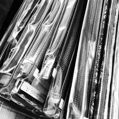 Clutch packing J. 研究室 服装 皮包 首饰 小铺 www.studiosbyj.com #studios by j #comeandplay
