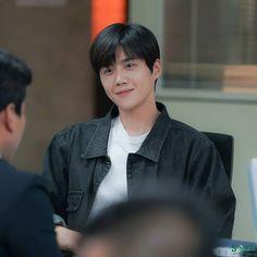 Kdrama Actors, Korean Actors, Couples, Boys, Idol, Floor Plans, Senior Boys, Korean Actresses, Romantic Couples