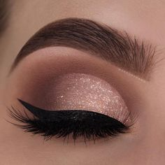 29 Gorgeous Eye Makeup Looks For Day And Evening - eye makeup for blue eyes ,brown eyes , eye shadow Prom makeup -- prom eye makeup or sephora prom makeup Click visit above for more options Evening Eye Makeup, Prom Eye Makeup, Makeup Eye Looks, Glitter Eye Makeup, Nude Makeup, Blue Eye Makeup, Eye Makeup Tips, Smokey Eye Makeup, Makeup Goals